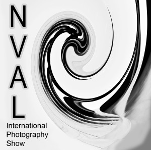 Intternational Photo Show Logo 13x13